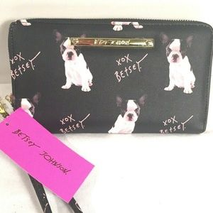Betsey Johnson Wallet Wristlet Dog Zip Around